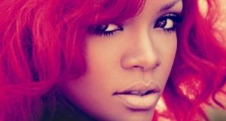 Rihanna_pelo_rojo