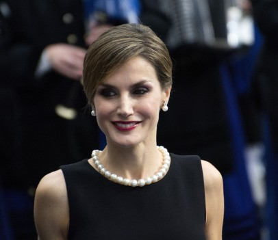 23 Oct 2015, Oviedo, Spain --- Oviedo, Spain. 23rd October 2015 -- Queen Letizia of Spain pictured ahead of the Prince of Asturias Awards 2015 outside the Campoamor Theatre in Oviedo, Spain. -- The Prince of Asturias Foundation has presented the Prince of Asturias Awards since 1981 at a ceremony held in Oviedo, the capital of the Principality of Asturias. King Felipe VI and Queen Letizia of Spain joined this year's winners, and guests. --- Image by © David-Hevia/Demotix/Corbis Premios Princesa de Asturias en Oviedo 95/cordon press